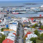 Transport fra flyplassen Keflavik og inn til sentrum - Ettersom lufthavnen Keflavík International Airport ligger godt og vel 40 kilometer utenfor Reykjavik oppstår det naturlig nok et behov for transport fra flyplassen og inn til byen. Mange…